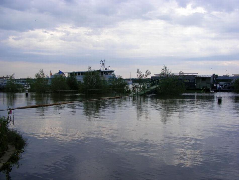 flooding-in-eastern-romania