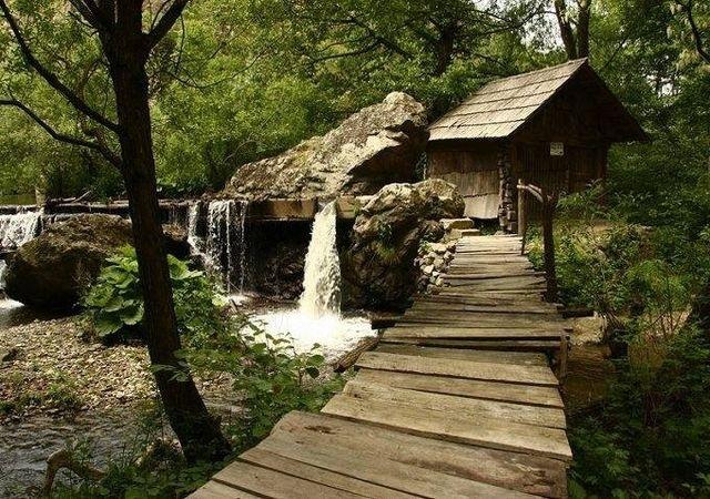 il complesso di mulini di rudăria, un viaggio tra macine e tradizione