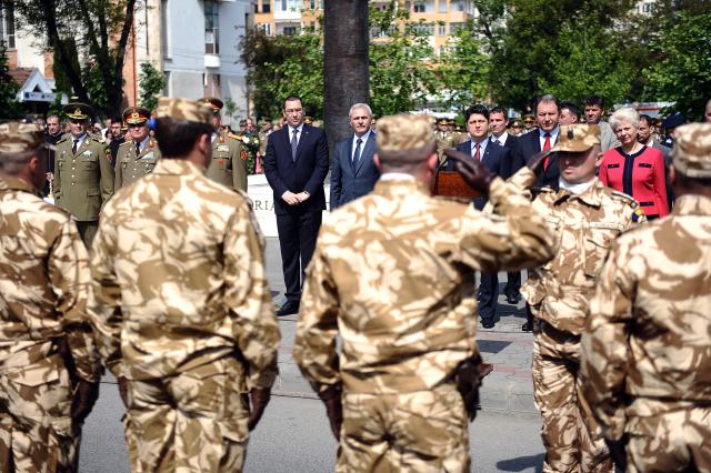 ceremonia-de-plecare-a-batalionului-soimii-carpatilor