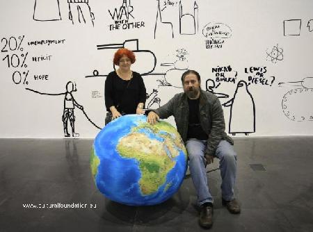 award-winning-fine-artists-lia-and-dan-perjovschi-
