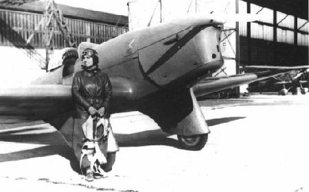 smaranda-braescu-premiere-femme-parachutiste-et-premiere-femme-pilote-de-roumanie