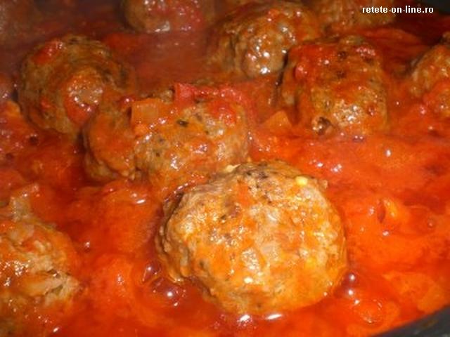 boulettes-de-viande-a-la-sauce-tomate-