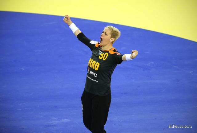 athlete-of-the-week--handball-player-paula-ungureanu-