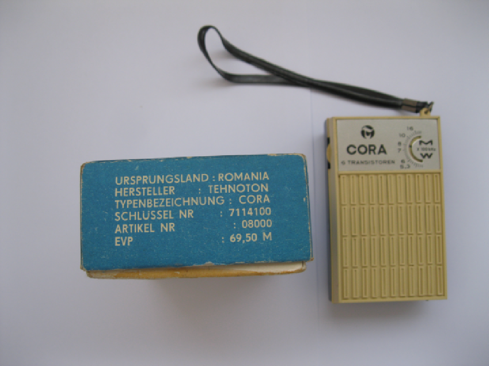 Transistor Radio made in Romania. Picture by Ralf Urbanczyk of Germany.