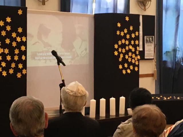 טכס זכרון לקורבנות השואה במרכז התרבות היהודית