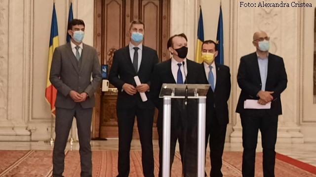romanias-ruling-coalition-survives-first-internal-crisis-