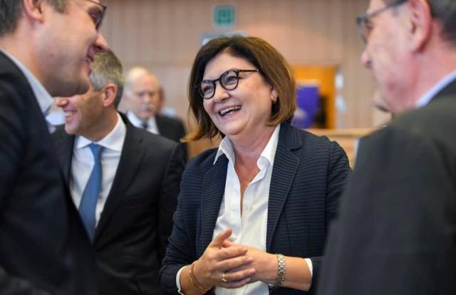 adina vălean, commissaria europea per i trasporti