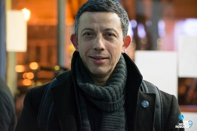 le-realisateur-alexandru-solomon-a-la-tete-de-lassociation-one-world-roumanie-