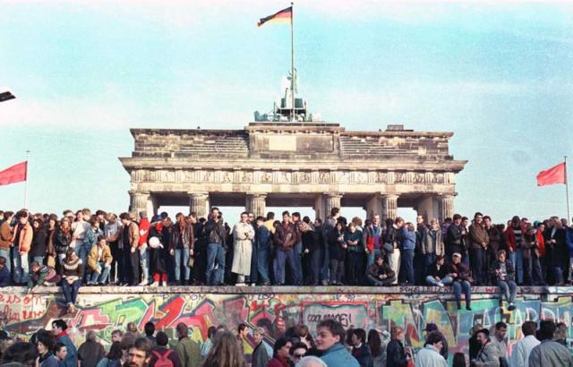 europa-a-marcat-30-de-ani-de-la-caderea-zidului-berlinului-si-de-la-incheierea-razboiului-rece