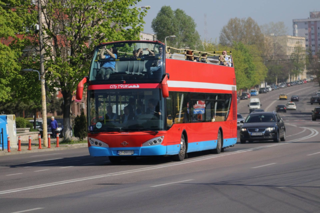 autobuzele-etajate-de-la-malul-marii