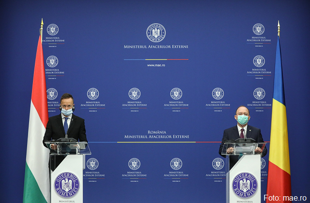 romanian-and-hungarian-foreign-ministers-get-together-for-talks