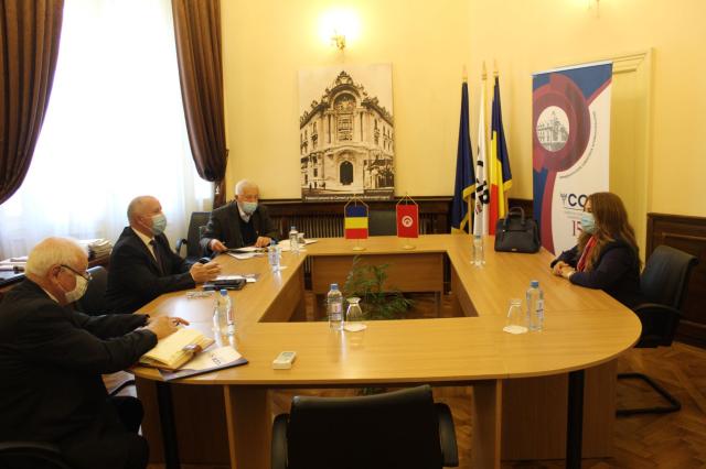 زيارة السفيرة التونسية إلى غرفة التجارة والصناعة في بوخارست