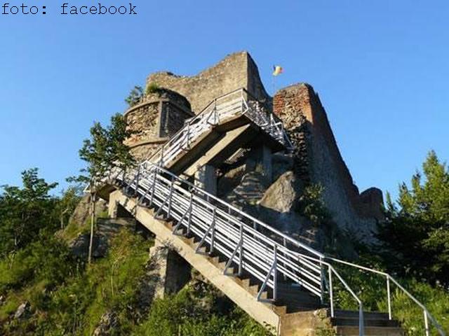 paul-jamet-france---la-citadelle-de-poenari