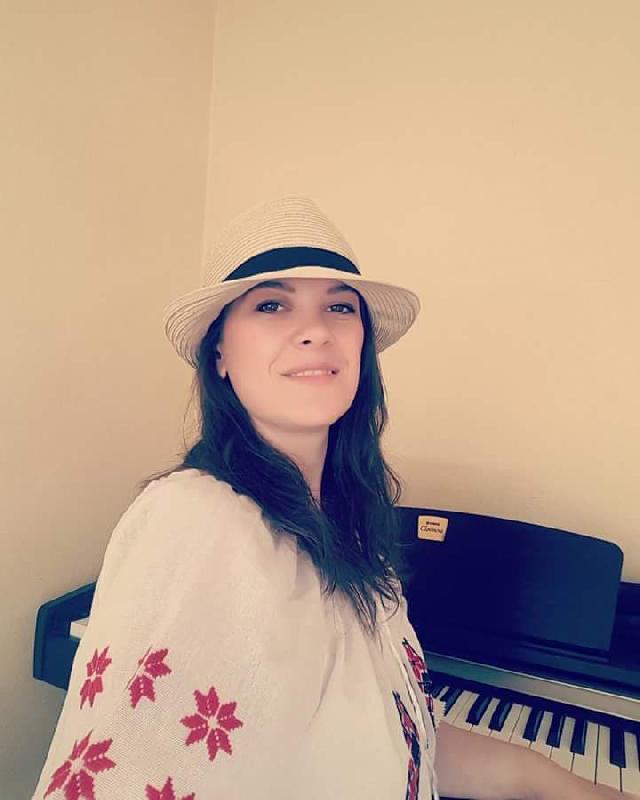 cristina-vlasin-una-cantante-rumana-en-espaa
