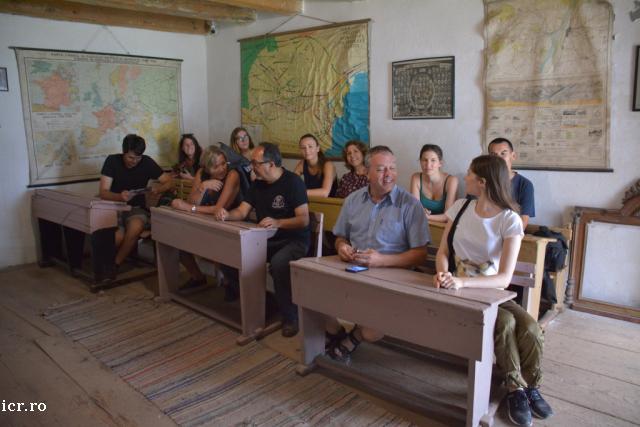 cursuri-de-limba-romana-la-icr