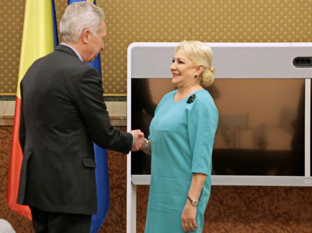 """מפגש בין ראשת ממשלת רומניה לשגריר ארה""""ב"""