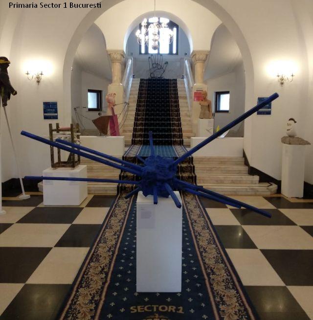 expozitia-dincolo-de-canon-noua-sculptura-azi-