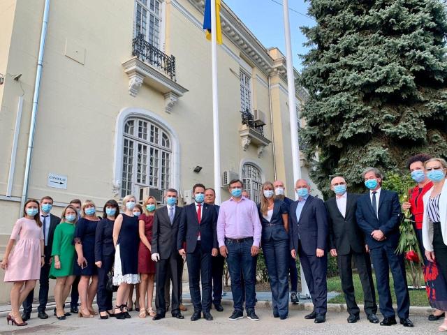 Міністр закордонних справ України провів зустріч з представниками української громади в Румунії
