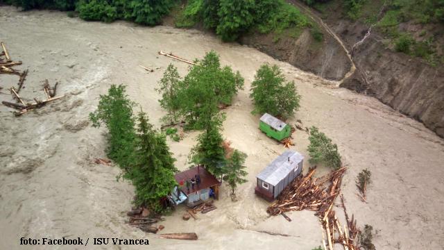 inundatii-si-canicula