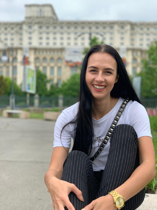 Яна Маркова