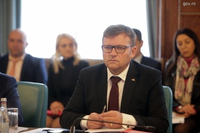 reacciones-en-referencia-a-los-subsidios-de-los-nios-rumanos
