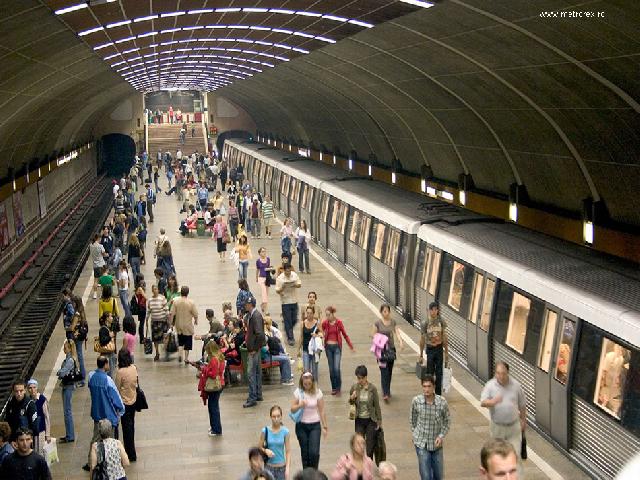 la-metrou---en-el-metro