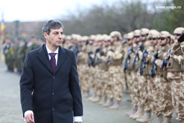 motoc-militarii-romani-ar-putea-participa-la-instruirea-fortelor-irakiene-