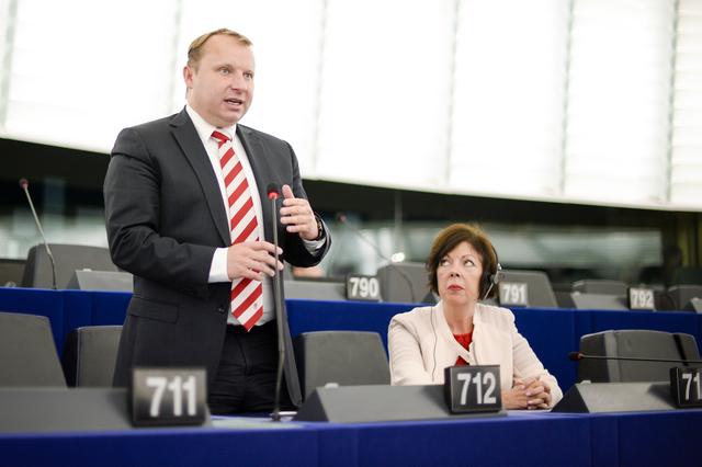 noua-legislatie-europeana-privind-energia-curata