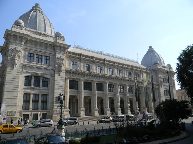 the-postal-service-palace-in-bucharest
