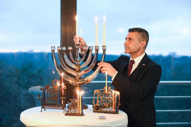יש לעשות מאמצים להסרת שנאת זרים ואנטישמיות