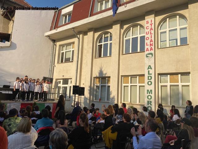 settimana lingua italiana: musica e non solo alla scuola aldo moro di bucarest