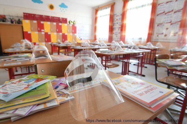 romania, visiere a scuola dall'ordine di malta
