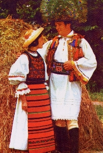 les-costumes-traditionnels-roumains-