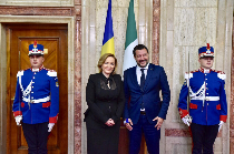 the-italian-interior-minister-on-a-visit-to-bucharest-