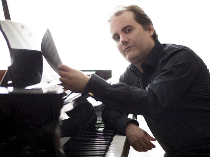 Pianistul Josu de Solaun, pe scena Sălii Radio
