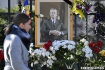 romanians-pay-tribute-to-king-michael-i-